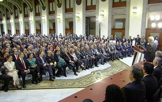 AMLO announces new council before business leaders.