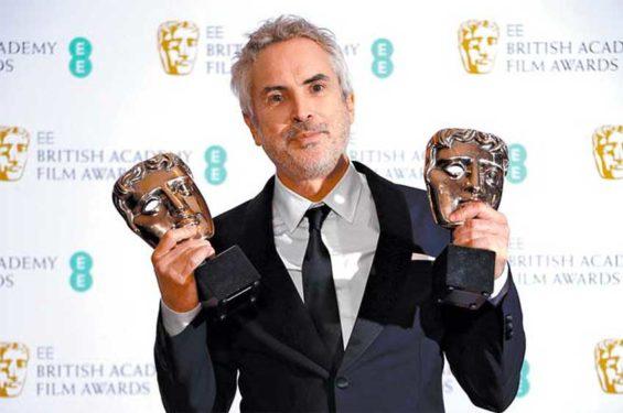 Award-winning director Cuarón.
