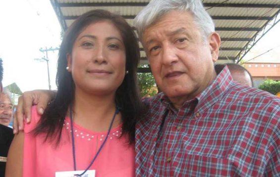 Designer Arrieta with President López Obrador.