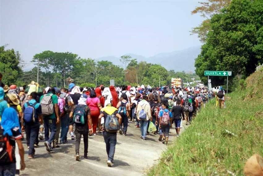 Migrants head for Huixtla, where they had to make a detour.