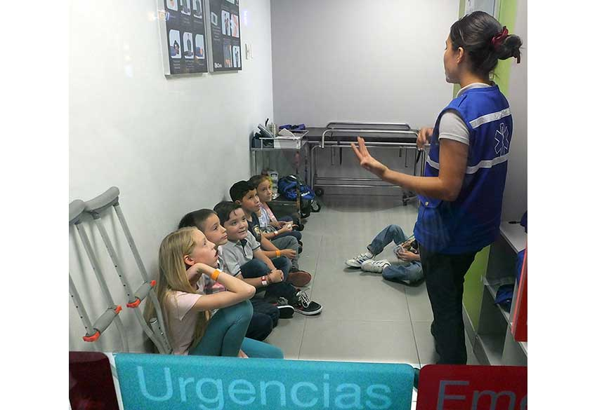 11—sm-Paramedics-in-training