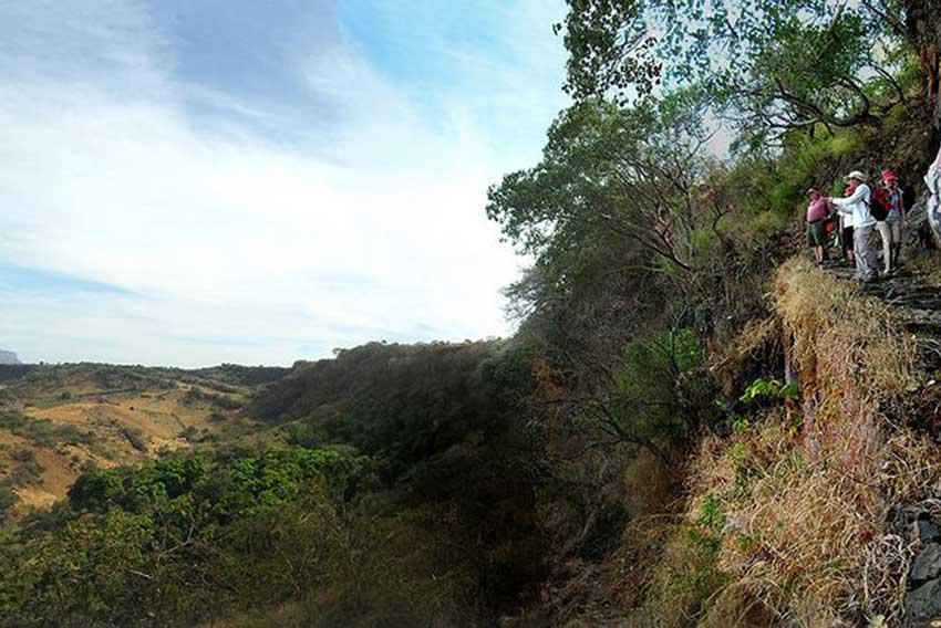 4—b2-Machu-Picchu-trail