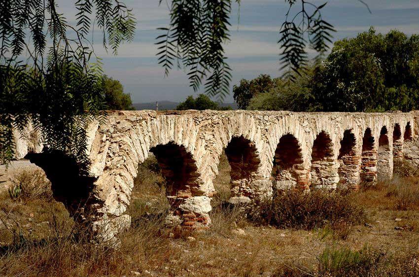 Aqueduct near Mineral de Pozos in Guanajuato.