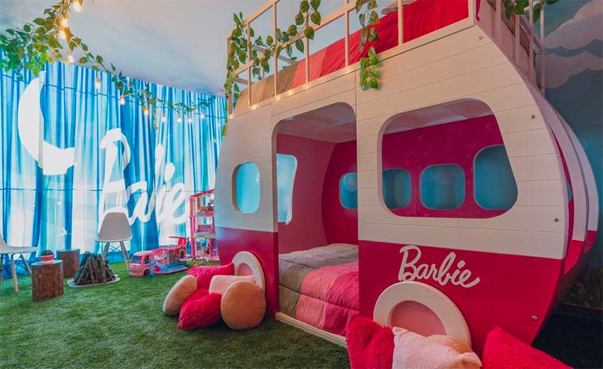A hotel room for Barbie fans.