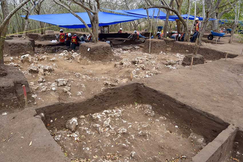 Archaeological dig in Tamaulipas.