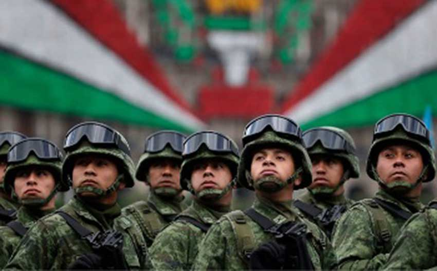 Mexican soldiers will don a new uniform to form the national guard.
