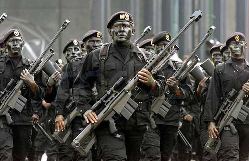 Mexican special forces with Barrett M82s.