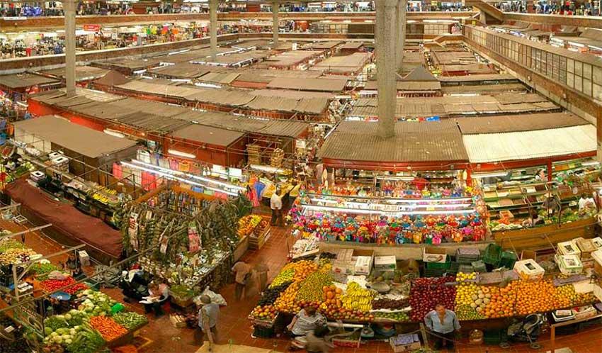 The San Juan Ernesto Pugibet market has more than 350 vendors.