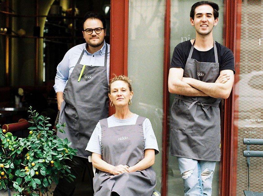 From left, Reyes, Drijanski and Plaschinski at Niddo restaurant.