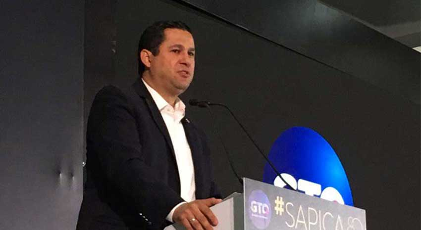 Governor Sinhue of Guanajuato.