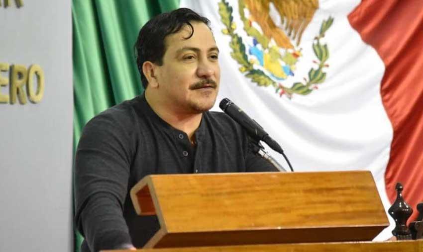 Tabasco Deputy León Flores.