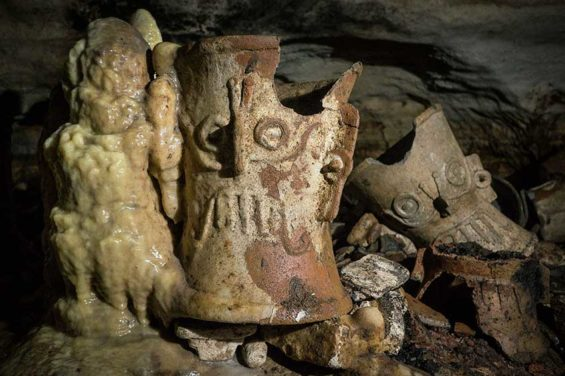 Artifacts found inside the Balakmú cave