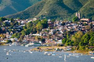 The beautifully preserved colonial town of Valle de Bravo.