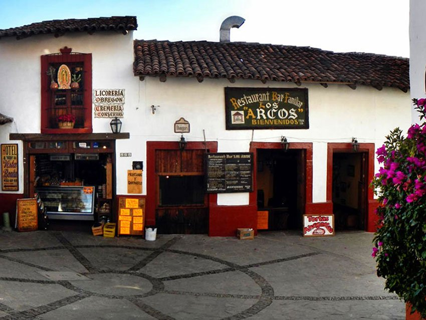 Shops in Tapalpa.