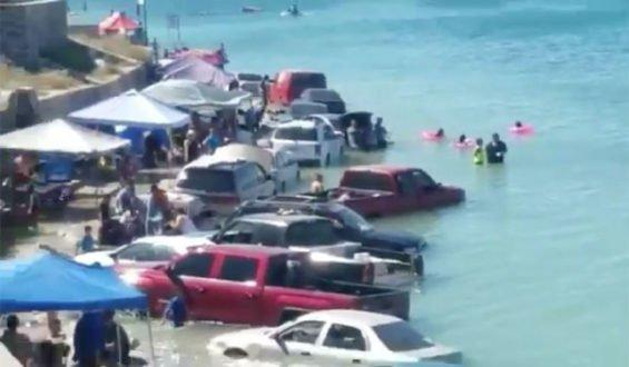Saturday's sudden high tide in Puerto Peñasco.