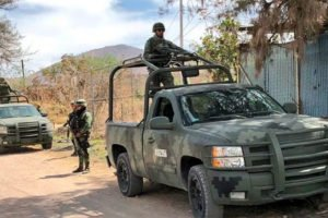 Soldiers at the farm in Tlajomulco.