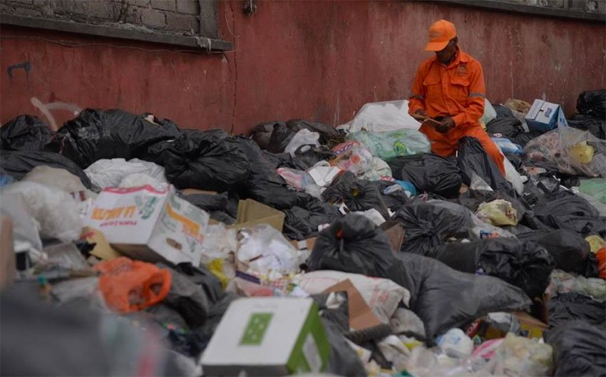 Every day, 8,600 tonnes goes to a Mexico City landfill.