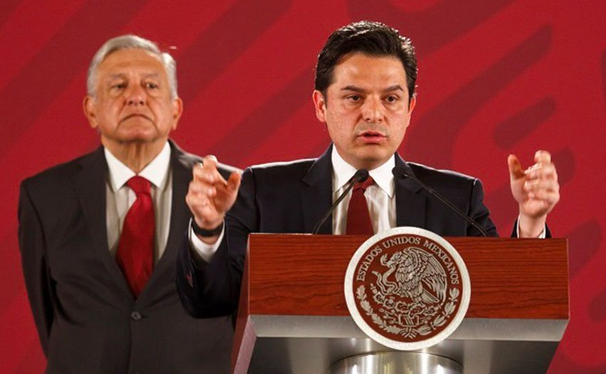 New IMSS chief Robledo speaks at the presidential press conference.