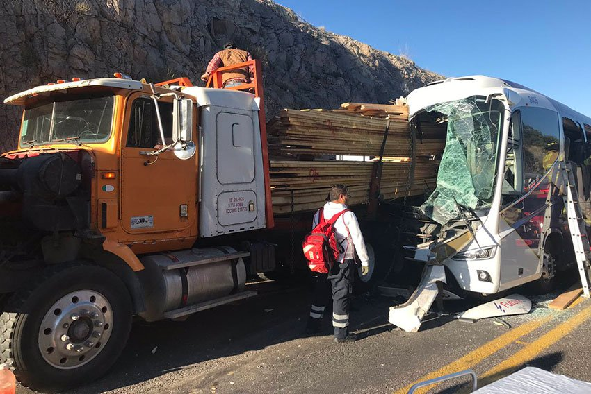 This morning's accident on the Mazatlán-Durango highway.