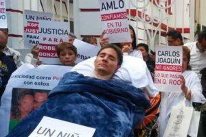 González, victim of a beating that left him a paraplegic, at yesterday's hearing.