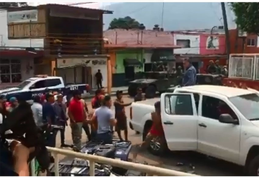 Residents challenge federal authorities in Oaxaca.