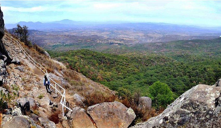 Panorama from Huehuentón Peak, 2,565 meters high.