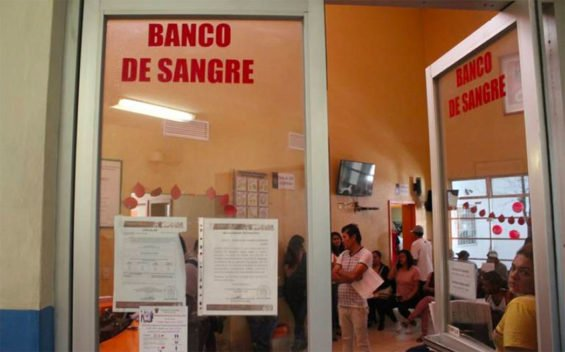 Jalisco transfusion center warns against buying blood in the street.
