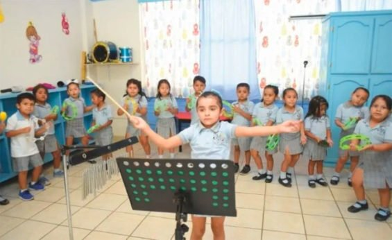 The high-energy young director of a children's orchestra in Tamaulipas.