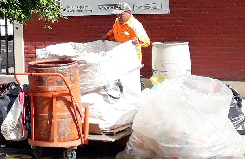Mexico City sanitation worker Martínez.