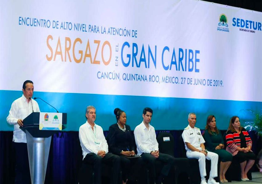 Quintana Roo Governor Joaquín speaks at Caribbean sargassum meeting in Cancún.