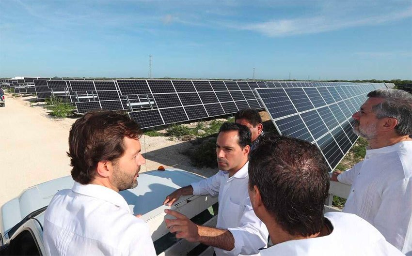The inauguration of new solar plant in Progreso, Yucatán.