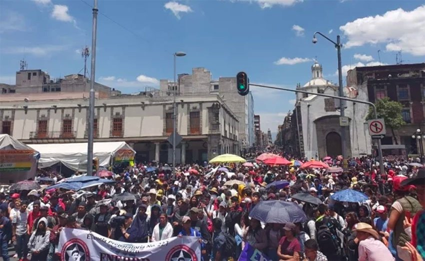 Students demonstrate outside Education Secretariat offices in Mexico City.