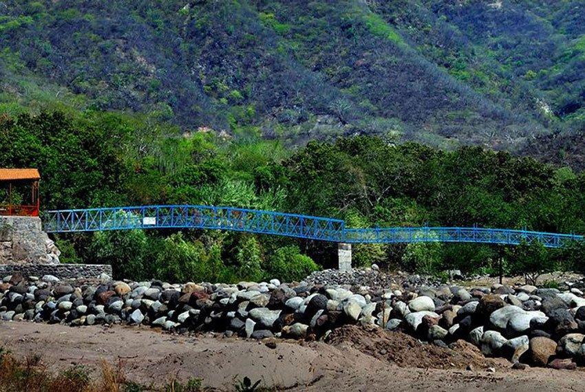 13—new-Bridge-over-Rio-Patitos