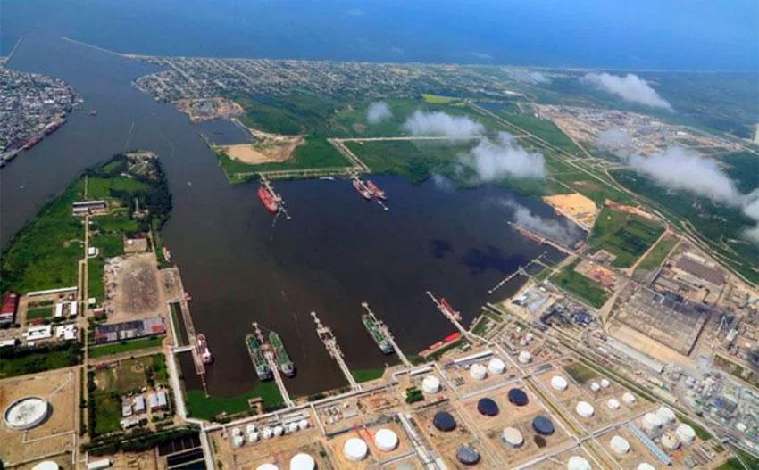 A major increase in cargo shipments is predicted between Salina Cruz and Coatzacoalcos, above.