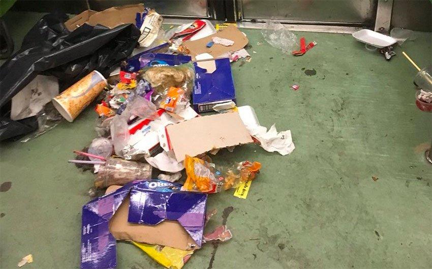 Trash in the Metro.