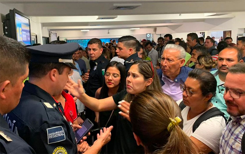 Angry Interjet passengers at Mexico City airport last night.