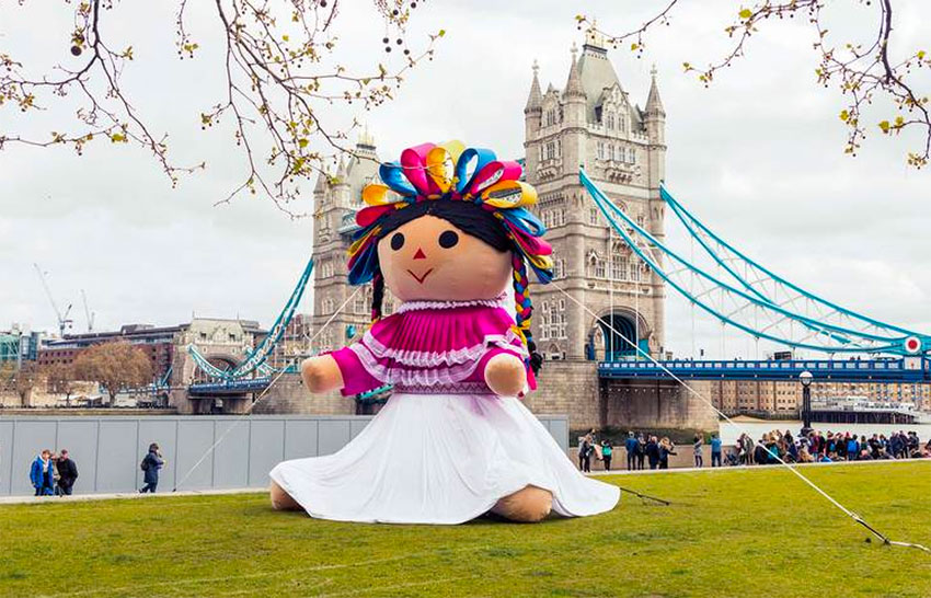 The giant Lele doll returns to Querétaro after touring the world.