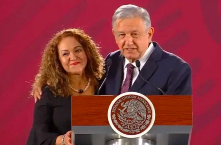 Martínez leveled her accusations of corruption this morning at the presidential press conference.