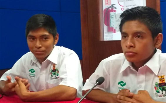 The robotics students who will represent Mexico in Japan.