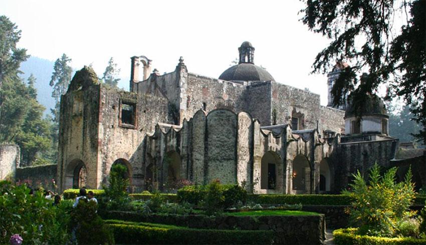 The convent at Desierto de los Leones.