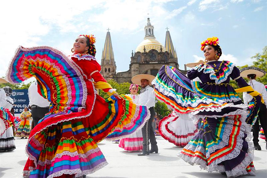 Folkloric dancers in Guadalajara on Saturday.