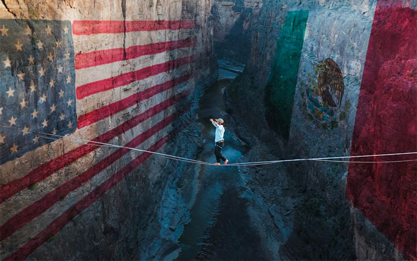 Unity, trust themes of 150-meter-high border crossing on a rope
