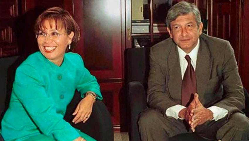Robles and López Obrador in 2000.