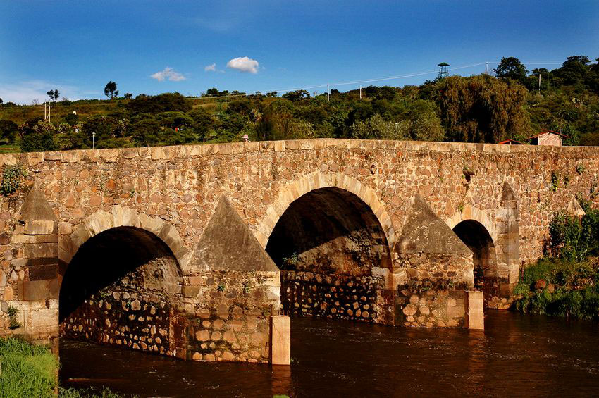 The Puente de Calderón is 60 meters long snd was constructed in the 17th century.