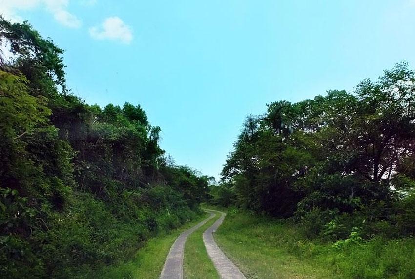 2—-sm-b-paved-road
