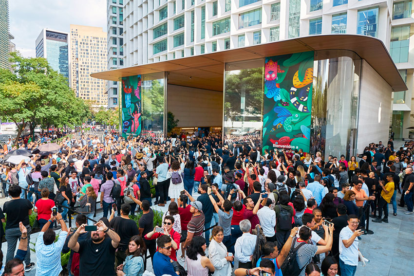 A crowd gathered Friday for the opening of Apple's new store.