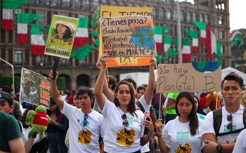 Climate change protesters in Mexico City on Friday.