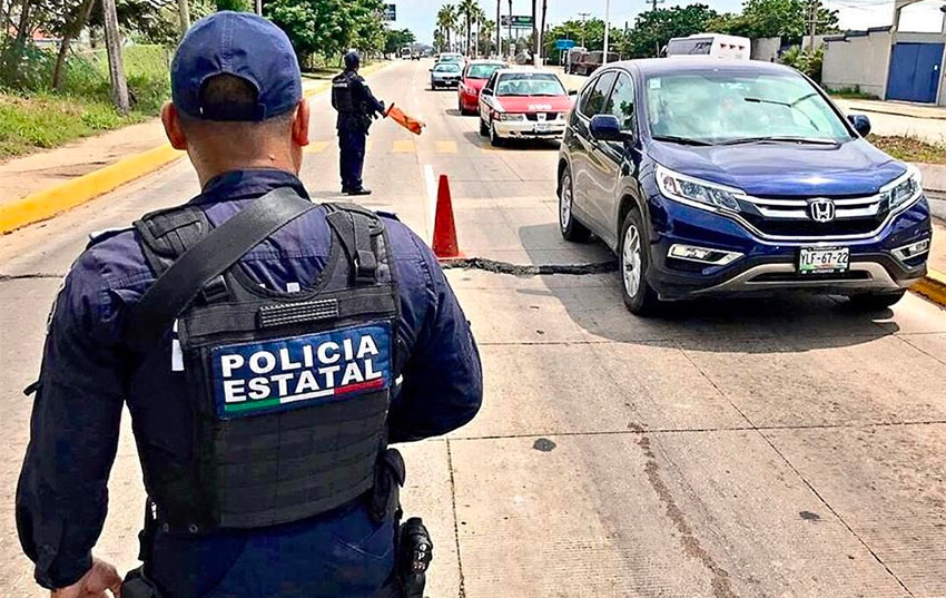 State police on patrol in Coatzacoalcos.