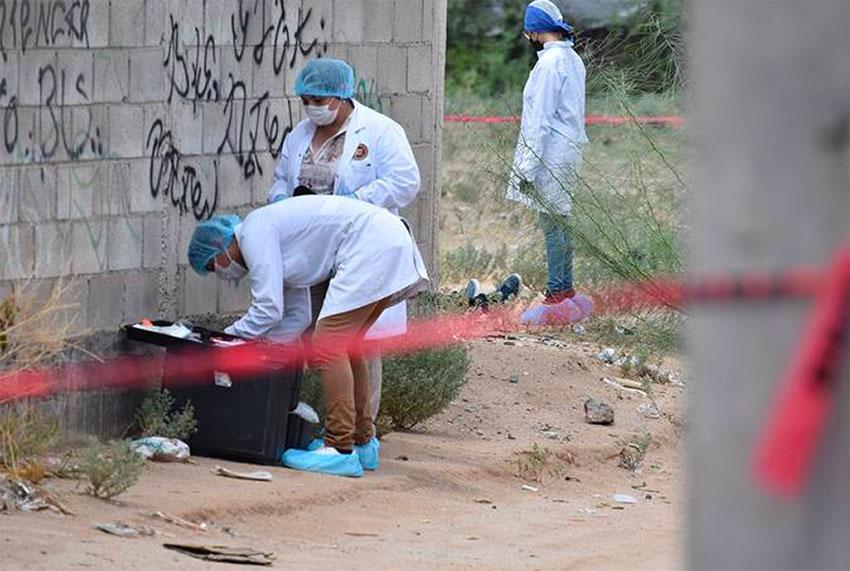 Crime scene investigators in Hermosillo.