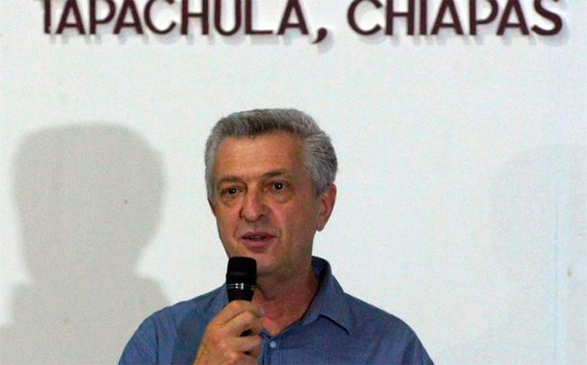 Commissioner Grandi speaks at Tapachula registration center.